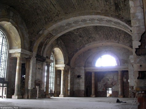 Michigan Central Train Station in Detroit Gutted and Rotting
