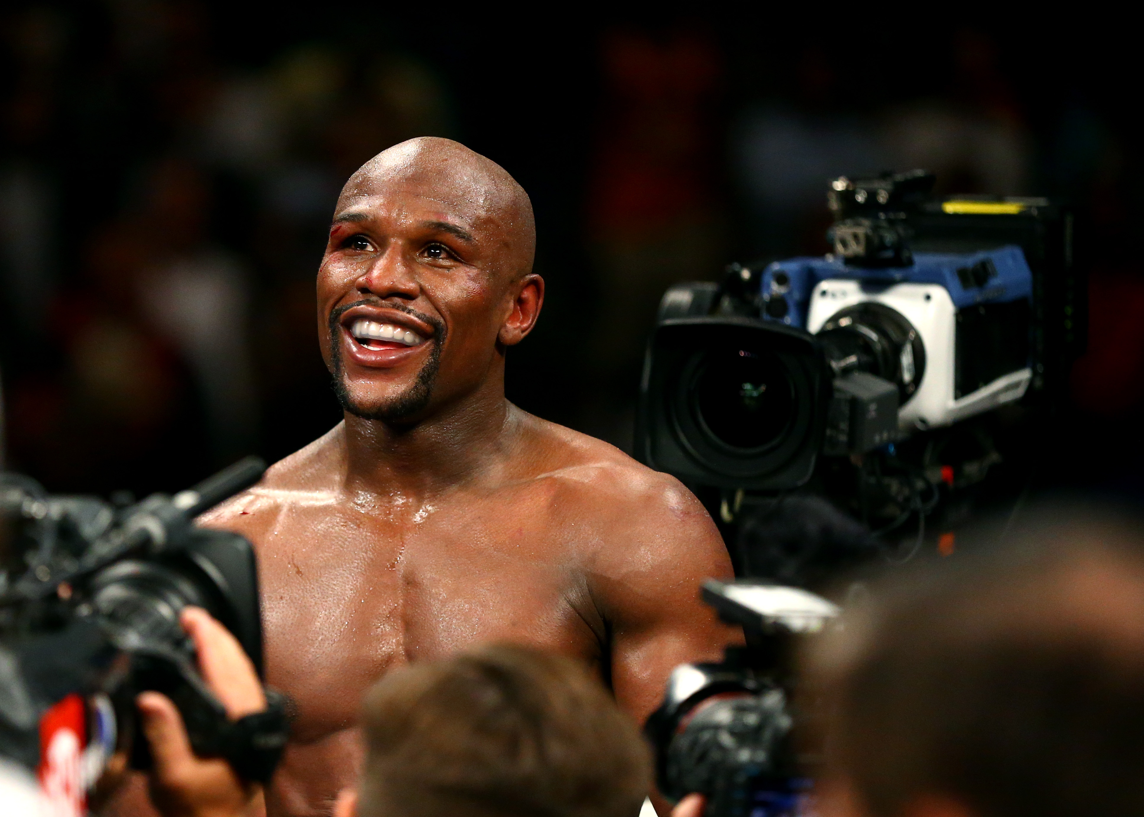 Floyd Mayweather responds to 50 Cent's reading challenge